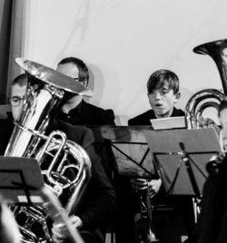 banda municipal de Ejea, musicos, concierto navidad 2020, Ejea de los Caballeros, homenaje a Nino Bravo